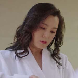 《亲爱的,热爱的》韩佳佳是韩商言的谁?