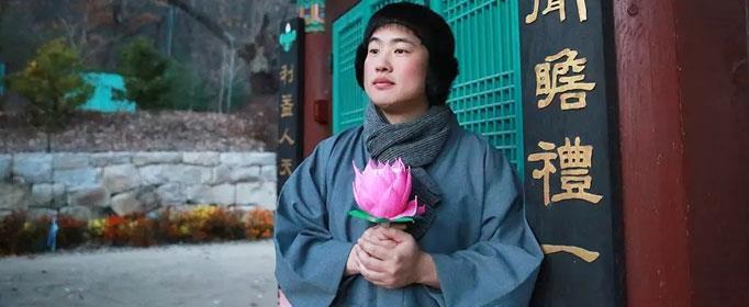 正峰去寺庙修行碰到的那个老人是谁?