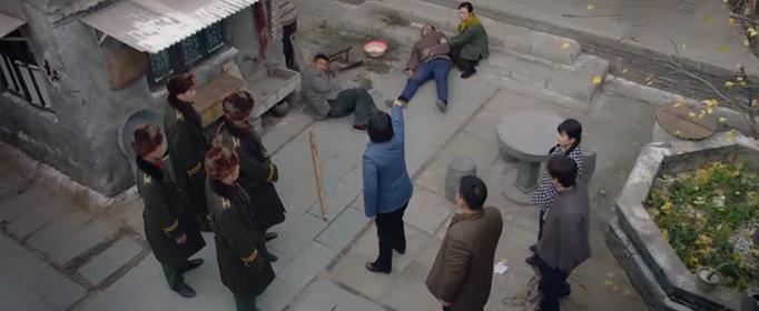 姜桂芳是如何对付文物贩子的?