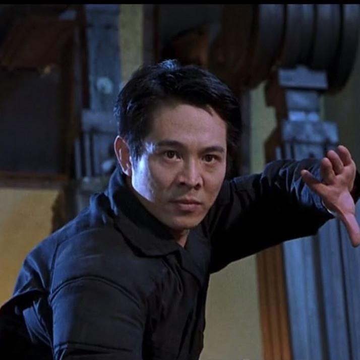李连杰打一个警队是什么电影?